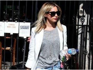 Ashley Tisdale : elle déchire tout et dévoile ses sublimes gambettes !