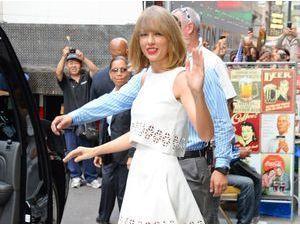 Taylor Swift : une beauté couleur menthe à l'eau !