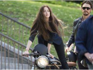 Photos : Amber Heard : brune fatale pour donner la réplique à James Franco dans son nouveau film !