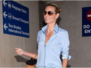 Photos : Heidi Klum : simple et chic pour prendre l'avion !