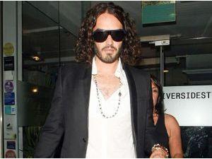 """Russell Brand évoque sa vie sexuelle avec Katy Perry : """"Je m'efforçais à penser à quelqu'un d'autre"""""""